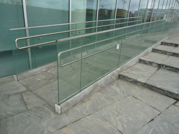 ограждение из стекла